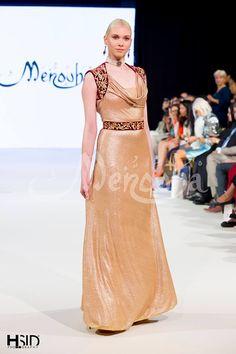 Rym Menaifi est une créatrice qui a su s'imposer comme une protagoniste majeure sur la scène de la mode algérienne. C'es One Piece Gown, Two Piece Skirt Set, Traditional Fashion, Traditional Outfits, Modern Fashion, High Fashion, Kaftan, Pretty Dresses, Lace Skirt