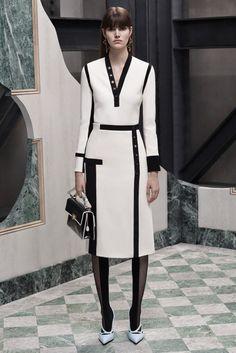 Balenciaga 2015 Pre-Fall Koleksiyonu - Balenciaga için başka bir Alexander Wang tasarımı bayan elbiseleri. 2015 yılı Balenciaga pre-fall kolkesiyonu...