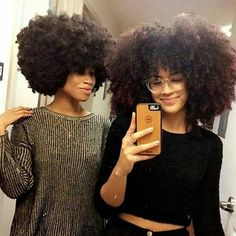 Big Afro hairstyles are basically the bigger and greater version of the Afro hairstyles. Afro which is sometimes shortened as 'FRO, is a hairstyle worn naturally outward by The African American black people. Pelo Natural, Natural Hair Tips, Natural Hair Inspiration, Natural Hair Journey, Natural Hair Styles, Natural Skin, Big Hair, Your Hair, Style Afro