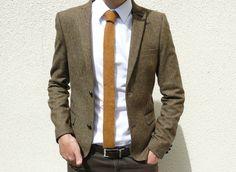 Skinny tie.