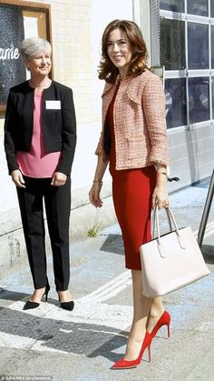 Princess Mary has never shied away from bold fashion choices, and that continued to be the case when she appeared at a conference in Denmark on Thursday Princesa Mary, Crown Princess Mary, Bold Fashion, Royal Fashion, French President Wife, Mary Donaldson, Denmark Fashion, Style Royal, Princess Marie Of Denmark