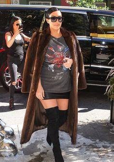 Kim Kardashian http://celevs.com/the-10-sexiest-photos-of-kim-kardashian/