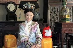 Legend of Zhen Huan - The significance behind qing Dynasty head pieces.
