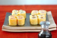 「卵の細巻き寿司」のレシピ 焼きのりを薄焼き卵に変えると、食べやすさもUP!