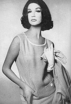 Simone D'Aillencourt, Harper's Bazaar Jan. 1960 | Sophia | Flickr