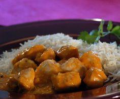 Pochi ingredienti sani per portare in tavola un primo piatto che, all'occorrenza, può essere anche un piatto unico. Ecco il riso al sugo di tacchino.