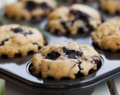 Muffins minceur aux myrtilles et konjac : http://www.fourchette-et-bikini.fr/recettes/recettes-minceur/muffins-minceur-aux-myrtilles-et-konjac.html