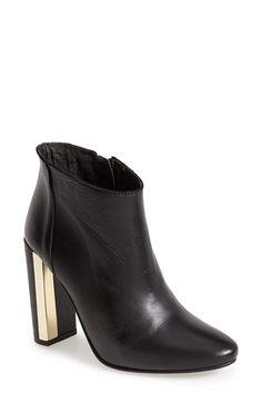 Free shipping and returns on Topshop 'Harp' Metal Heel Boot (Women) at Nordstrom.com. Pristine goldtone hardware traces the heel of Topshop's striking, round-toe ankle boot cast in neutral-hued leather.