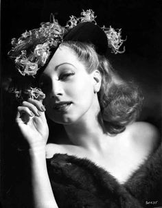 Ann Sothern wearing a Hat and A Furry Dress High Quality Photo – Movie Star News