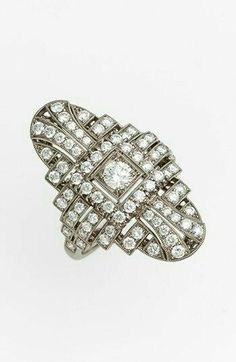 Precioso anillo de diamantes estilo Vintage.