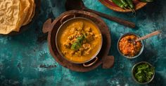 Have delicious takeaway favourites - like this delicious chicken curry -ready faster than your local, no matter what life throws at you. Creamy Chicken Curry, Creamy Coconut Chicken, Butter Chicken, Tandoori Paste, Marinated Chicken, Yum Yum Chicken, Main Meals, Real Life, Dinner Recipes