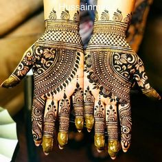 Are you interested in getting a tattoo? Do you already have a design in mind? Did you pick it because it was beautiful or because it holds a deep meaning for you? Indian Mehndi Designs, Full Hand Mehndi Designs, Mehndi Designs 2018, Mehndi Designs For Girls, Bridal Henna Designs, Beautiful Henna Designs, Henna Tattoo Designs, Mehandi Designs, Hena Designs