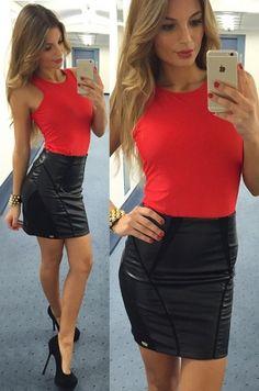Krátka sukňa vhodná na party.50% viskóza, 45% polyestér, 5% elastán