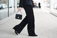 More on www.offwhiteswan.com Pyjama Look, Kimono by Zara, Wide-Leg Pants by Zara, Mini Bag by Gianni Chiarini, Pointed Heels by Dorothy Perkins #offwhiteswan #swantjesoemmer