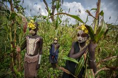 Body art painting omo valley Tribe by Anthony Pappone, via Behance Photography Photos, Children Photography, Ethiopian Tribes, African Tribes, Out Of Africa, People Around The World, Body Art, Culture, Painting