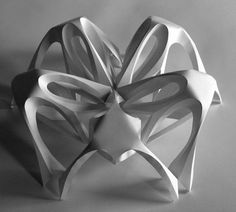これが紙!?あまりに美しい曲線とグラデーションが表現された立体作品
