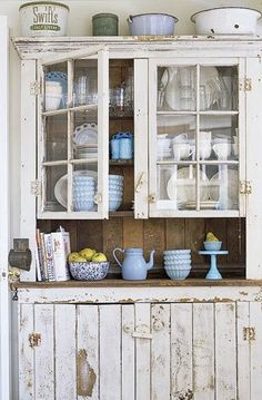 Country Cottage Décor ● Weathered Hutch
