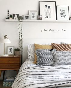 30 ideas to decor your bed room in 2019 winter you can copy you need a warm bedroom.The weather is colder day by day. so we collected about 30 bed room decoration ideas for you.you can copy it. Warm Bedroom, Room Ideas Bedroom, Home Bedroom, Winter Bedroom, Cozy Bedroom Decor, Decor Room, Ikea Bedroom, Bedroom Furniture, Modern Boho Master Bedroom