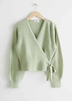 Long sleeve soft knit wrap cardigan with a long ribbed hemline. Length of cardigan: / (size S) Model wears: S Summer Cardigan, Green Cardigan, Wrap Cardigan, Instagram Outfits, Fall Outfits, Cute Outfits, Fashion Outfits, Summer Outfits, Casual Outfits
