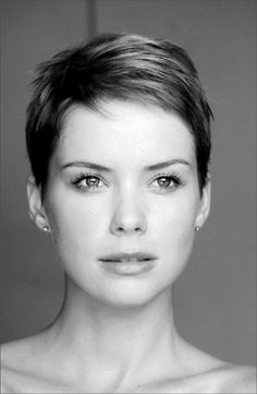 Proper Pixie Cuts — theistiklal: İstiyom :(