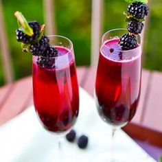 Blackberry Champagne Margarita: Muddled blackberries, champagne and tequila. #drink #beverage #alcohol