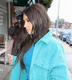 """""""Modna"""" Kim Kardashian spaceruje w ubraniach zaprojektowanych przez Westa - PUDELEK"""
