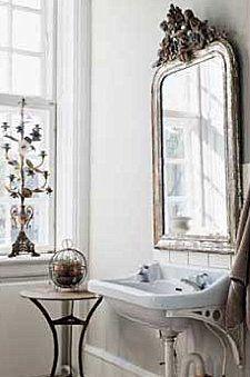 Fancy bathroom vanity mirror, lots of light, but still warm Beautiful Mirrors, Beautiful Bathrooms, Ideal Bathrooms, Ornate Mirror, Mirror Mirror, French Mirror, Mirror Bathroom, Washroom, Interior Exterior