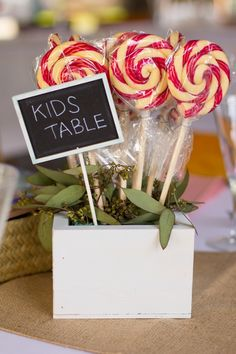 Cute Centerpiece Idea for the Kid's Table! #wedding