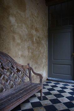 Old World bench -- Berta on Flickr