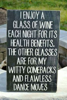 Funny Quotes Wine Hilarious Signs 42 Ideas For 2019 Witty Comebacks, Snappy Comebacks, Funny Quotes, Funny Memes, Funny Wine Sayings, Funny Kitchen Quotes, Beer Quotes, Hilarious Jokes, Fun Sayings