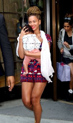 Beyonce Knowles carrying her daugher Blue Ivy Carter   in New York City on July 18, 2012.