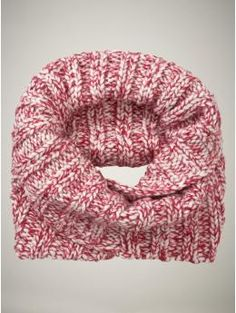 Gap red & white infinity scarf: LOVE MINE!