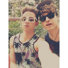 Ricky Dillon with his friend JC!   http://instagram.com/p/kspQ2wFpg1/  .. pic.twitter.com/m5W7WzK2dE