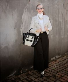 Love the shoes The Great Gatsby, Vintage Shoes, Moto Jacket, Wide Leg Pants, Vintage Fashion, Turtle Neck, Book, Jackets, Outfits