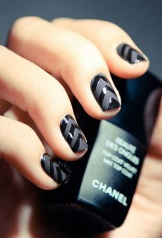 black . gray . chevron . nail art.