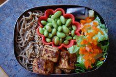 Soba noodles, tofu and edamame vegetarian bento by Veggie Bento Love
