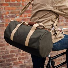 A canvas duffel gym bag perfect for the gym or a duffel for a man's commute. Made in the USA gym bags are what Boarding Pass does with quality, stylish and affordable gym bags and the best gym duffel bags. Duffle Bag Travel, Duffel Bag, Green Bag, Play Hard, Going To The Gym, Fashion Advice, Army Green, Mens Fashion, Work Hard