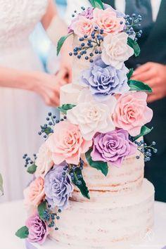 Romantic Floral Wedding Cake - via Caramel Wedding