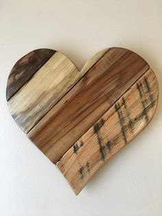 Reclaimed Pallet Wood Heart - Rustic Country Farm style, Door Hangers, garden and home decor, Valentine