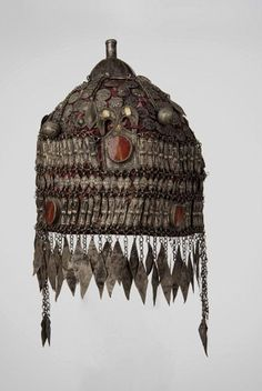 Turkmenistan | Headdress from the Esari people; fabric, silver, carnelian | ca. 1st half of the 20th century // Pforzheimer Museum, Private Collection