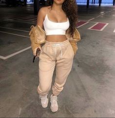Boujee Outfits, Cute Lazy Outfits, Baddie Outfits Casual, Cute Swag Outfits, Stylish Outfits, Vetements Shoes, Vetement Fashion, Winter Fashion Outfits, Fashion Tips