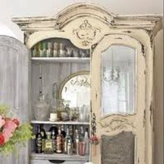 Love this Shabby Chic cabinet.  Find the latest decor styles and tips for your Shabby Chic Home! 250 × 320 - 23KBtopicden.com