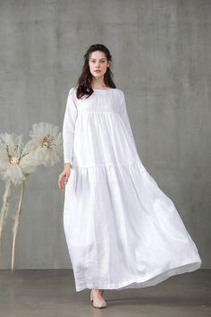 May 2020 - white longsleeve linen dress Flattering Dresses, Modest Dresses, Casual Dresses, White Linen Dresses, Cotton Dresses, White Dress, Green Evening Dress, Evening Dresses, Modest Fashion