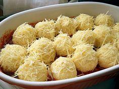 Arome si culori : Galuste de cartofi in sos picant Supe, Macaroni And Cheese, Ethnic Recipes, Food, Mac And Cheese, Essen, Meals, Yemek, Eten