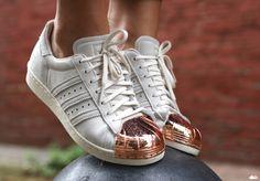 e5cf35566329 New adidas Originals Superstar Rose Gold Metal Toe Cap Sneakers, Sz