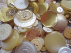 Vintage Shades of Yellow Buttons by CaityAshBadashery on Etsy, $2.95