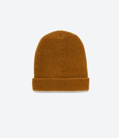 Image 2 of KNITTED HAT from Zara