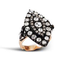 Diamond and gold ottoman style