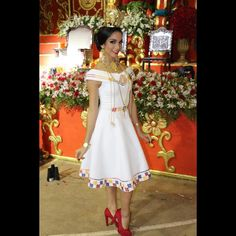 Mexican Dresses, Embroidery Dress, Dress Patterns, Womens Fashion, Fashion Trends, Lily, Summer Dresses, Wedding Dresses, Floral
