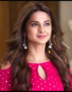 These Sexy Pictures of Jennifer Winget Will Keep You Up All Night. Neck Designs For Suits, Sleeves Designs For Dresses, Blouse Neck Designs, Simple Kurta Designs, Kurta Designs Women, Churidar Neck Designs, Kurta Neck Design, Stylish Blouse Design, Stylish Dress Designs